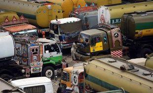 Le Pakistan a rouvert mardi ses routes de ravitaillement de l'Otan vers l'Afghanistan, après sept mois de blocage, grâce à un accord scellé avec les Etats-Unis qui vont débloquer 1,1 milliard de dollars pour l'armée pakistanaise.