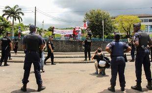 La grève générale continue à Mayotte, ce mercredi 14 mars.