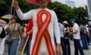 22.OOO personnes se rassemblent dimanche à Mexico pour une grande conférence mondiale sur le sida où médecins, chercheurs, sociologues, associations, discuteront des immenses problèmes que pose toujours une maladie stabilisée, mais loin d'être vaincue.