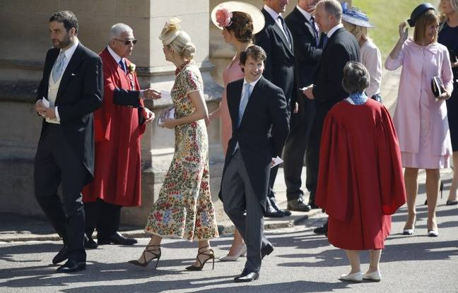 James Blunt arrive au mariage princier.