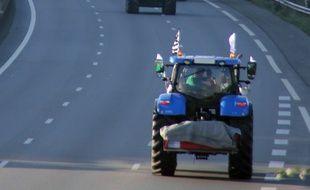 Illustration d'un tracteur, ici sur la rocade de Rennes lors d'une manifestation agricole en 2015.