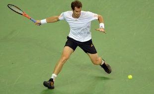 Andy Murray s'est qualifié pour la troisième année de suite pour la finale du Masters 1000 de Shanghai, en prenant nettement le meilleur samedi sur le N.1 mondial Roger Federer en deux sets 6-4, 6-4, comme ce fut déjà le cas lors de la finale des jeux Olympiques