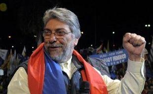 Les bureaux de vote ont ouvert dimanche au Paraguay pour une élection présidentielle historique dans laquelle un ex-évêque, candidat d'une coalition de gauche, est donné favori face à la candidate conservatrice du Parti Colorado, au pouvoir depuis 61 ans.