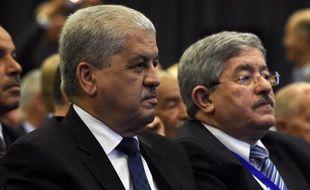Abdelmalek Sellal (gauche) et Ahmed Ouyahia (droite) ont été condamnés à 12 et 15 ans de prison pour corruption.