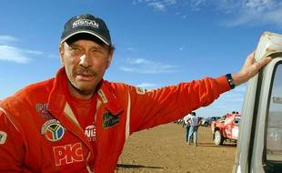 Johnny Halliday sur le Dakar en 2002.