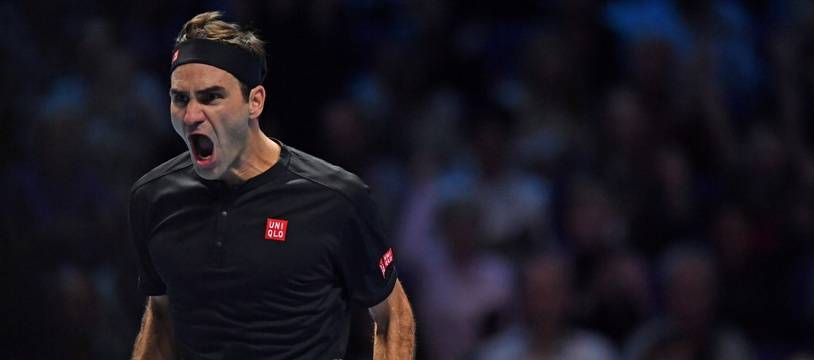 Roger federer écarte Djokovic et se qualifie en demies.