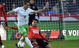 Duel entre Romain Hamouma et Benjamin André lors de Rennes-Saint-Étienne (2-0), le 4 décembre 2016.