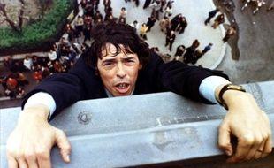 """Jacques Brel dans """"L'Emmerdeur"""". Le film est disponible chez TF1 Vidéo."""