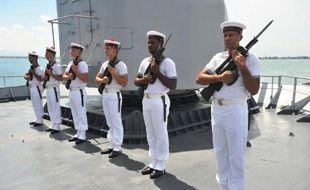 """La frégate française """"Le Ventôse"""", navire de la Marine française, est arrivée lundi dans le port du Cap-Haïtien, où aucun bateau français n'avait fait escale depuis 30 ans et où elle doit rester 48 heures."""