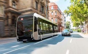 Le Fébus, premier bus à haut niveau de service à hydrogène, sera déployé en 2019 à Pau.