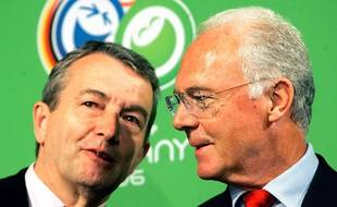 Franz Beckenbauer et Wolfgang Niersbach le 6 mars 2006.