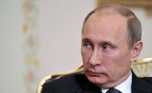 """Le président russe Vladimir Poutine a estimé vendredi que la crise à Chypre pourrait être avantageuse pour la Russie, en encourageant les Russes à investir dans leur pays, la tourmente bancaire chypriote ayant démontré l""""instabilité"""" des institutions financières occidentales."""
