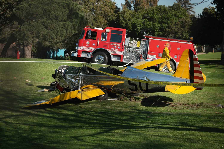 video bless dans le crash de son avion harrison ford va bien. Black Bedroom Furniture Sets. Home Design Ideas