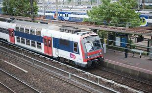 Le 23 juin 2011. La gare du RER C les Ardoines a Vitry sur Seine a subi des perturbations apres le depart d'un feu en gare de Choisy-le-Roi. // V. WARTNER / 20 MINUTES