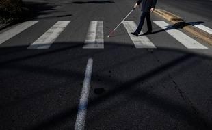Un homme déficient visuel et son accompagnateur agressés par l'automobiliste qui avait manqué de les renverser à un passage piéton.