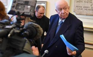 Le maire de Marseille Jean-Claude Gaudin lors d'une conférence de presse à la mairie