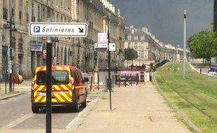 L'accès au foyer de l'incendie a été compliqué pour les pompiers;