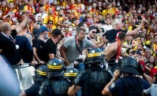 Des tensions ont éclaté à la mi-temps du derby