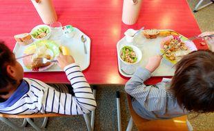 Marseille le 18 décembre 2012 - Illustration sur l' alimentation et les repas dans les cantines.