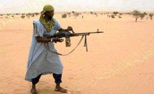 Un membre d'AQMI en 2010, d'après une photo donnée par l'organisation terroriste (illustration).