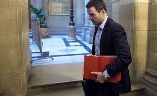 """""""Mes supérieurs ont tout vu, tout su"""", a répété mercredi Jérôme Kerviel à son procès en appel, à la veille d'une audition très attendue d'un témoin de la défense qui a d'ores-et-déjà étayé dans la presse la théorie de la machination ourdie contre l'ancien trader."""