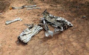 Des débris du vol AH5017 d'Air Algérie qui s'est écrasé dans le nord du Mali le 24 juillet 2014