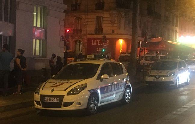 La police s'est rapidement rendue sur les lieux de l'homicide, rue Péguy à Paris.
