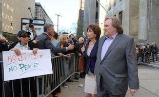 Gerard Depardieu et Jacqueline Bisset sur le tournage du film d'Abel Ferrara Welcome to New York, le 3 mai 2013, à New York