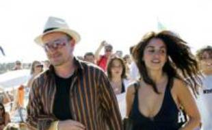 Penelope Cruz et Bono au Club 55 à Saint Tropez, le 26 juillet 2007.