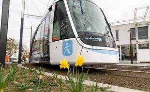 Le tram T9 va permettre de rejoindre Paris de la Porte de Choisy à Orly-Ville en une trentaine de minutes.