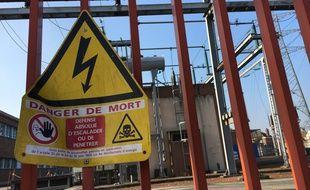 Un transformateur électrique. (Illustration)