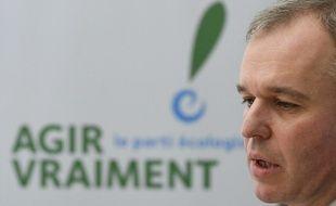 François de Rugy, candidat écologiste à la primaire socialiste, le 16 décembre 2016 dans son QG à Paris