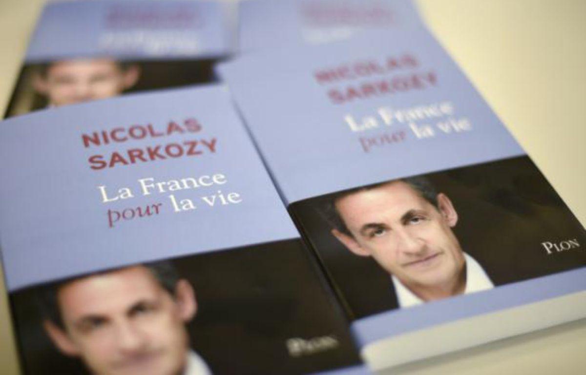 La couverture du livre de Nicolas Sarkozy, le 22 janvier 2016. – DOMINIQUE FAGET AFP