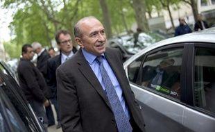 """Le sénateur-maire PS de Lyon, Gérard Collomb, interrogé mardi sur l'échec de Ségolène Royal aux législatives à La Rochelle, a incriminé la """"direction nationale"""" du Parti, qui a mal apprécié la situation."""