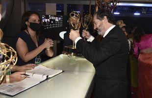 Scott Frank aux 73e Emmy Awards, le dimanche 19 septembre 2021, à Los Angeles.