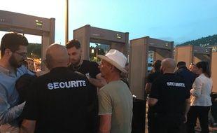 Des portiques de sécurité installés aux accès d'un feu d'artifice à Nice (Archives)