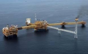 Sept étrangers, et non plus cinq comme annoncé la veille, ont été enlevés au cours de l'attaque lundi contre une plateforme pétrolière et un bateau logistique au large du Nigeria, selon un nouveau bilan annoncé mardi par la compagnie Afren.
