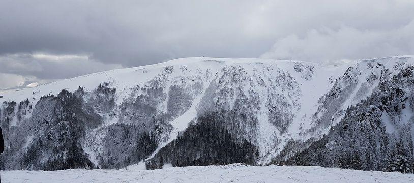 Le sommet du Hohneck et ses couloirs côté nord dans le massif des Vosges. Document remis RQ