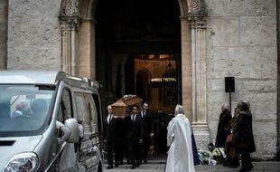 Les funérailles de Caroline Prenat, une des victimes des attentats de Paris, à la cathédrale de Lyon, le 23 novembre 2015