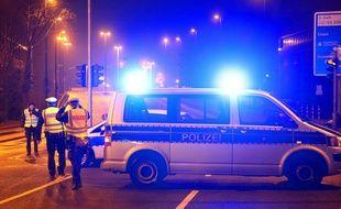 5 personnes auraient été blessés après une attaque à la hache à Dusseldorf.