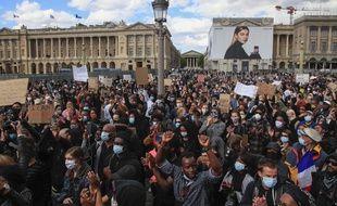 Des manifestants place de la Concorde, le 6 juin 2020