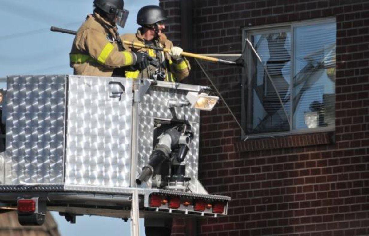 Un tireur solitaire a ouvert le feu dans la nuit de jeudi à vendredi dans un cinéma bondé de la banlieue de Denver, dans l'ouest des Etats-Unis, lors d'une première du tout nouveau Batman, tuant au moins 12 personnes et en blessant une quarantaine avant d'être interpellé. – Thomas Cooper afp.com