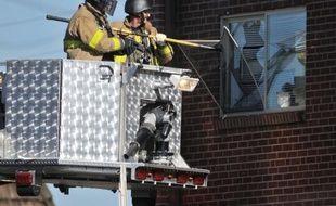 Un tireur solitaire a ouvert le feu dans la nuit de jeudi à vendredi dans un cinéma bondé de la banlieue de Denver, dans l'ouest des Etats-Unis, lors d'une première du tout nouveau Batman, tuant au moins 12 personnes et en blessant une quarantaine avant d'être interpellé.