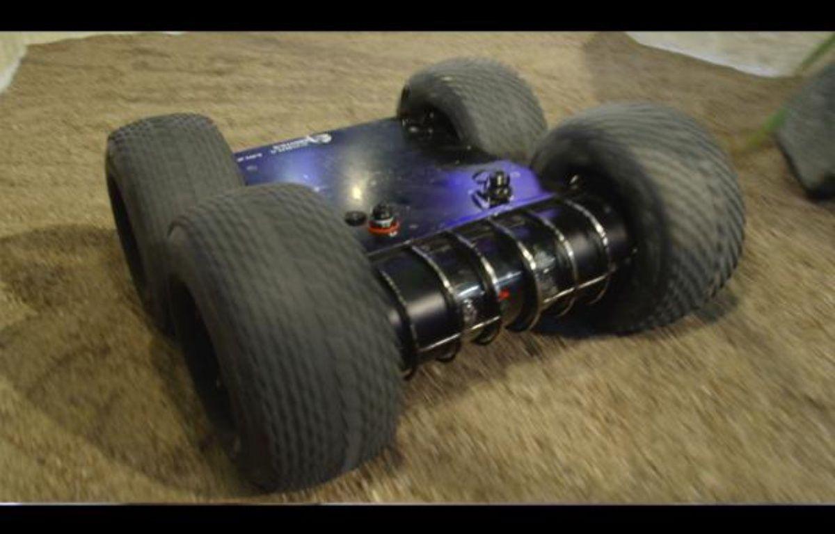 MINIROGEN robot terrestre millitaire – J. DURON / 20 MINUTES