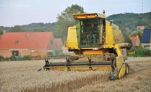 """Après trois années de croissance insolente, le marché des machines agricoles devrait retrouver des niveaux plus """"raisonnables"""" face à l'effondrement des cours des céréales"""