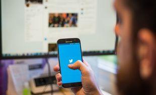 Twitter va offrir des récompenses à ceux décelant les biais de ses algorithmes.
