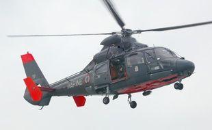 Un hélicoptère Dauphin de la Marine est intervenu au large de la Gironde.