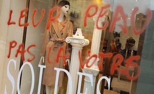 Cette boutique de vêtement a été ciblée par les antispécistes.
