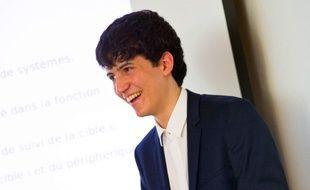 A 17 ans, Hugo Sbai, a déjà plusieurs vies d'étudiant derrière lui.