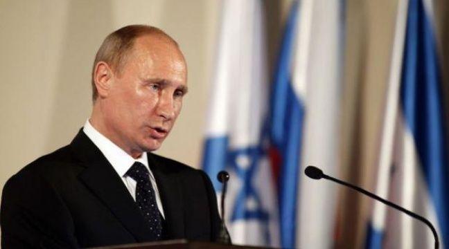 """Le président russe Vladimir Poutine a plaidé lundi pour une transition """"civilisée"""" vers la démocratie dans les pays touchés par le Printemps arabe, mettant en garde contre toute ingérence en Syrie, lors de sa première tournée au Proche-Orient depuis son retour au Kremlin en mai. – Lior Mizrahi afp.com"""